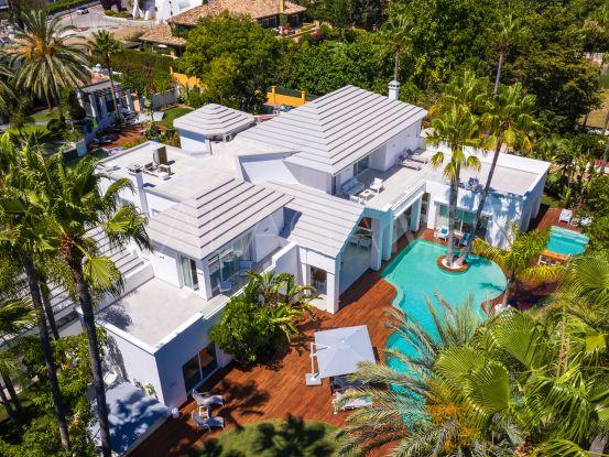 Villa en venta en Guadalmina Baja de 6 dormitorios | Cleox Inversiones