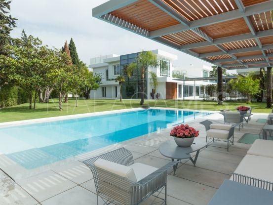 Villa a la venta en Guadalmina Baja con 7 dormitorios | Cleox Inversiones
