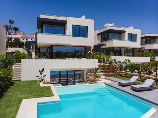 4 bedrooms villa for sale in El Campanario, Estepona | Cleox Inversiones