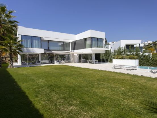 Villa en venta de 4 dormitorios en La Alqueria, Benahavis | Marbella Hills Homes