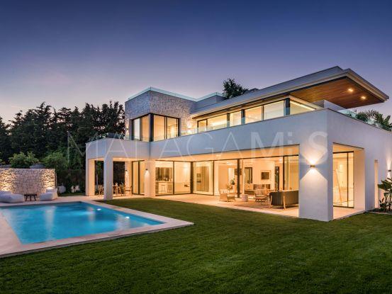 Villa de 4 dormitorios a la venta en Casasola, Estepona | LibeHomes