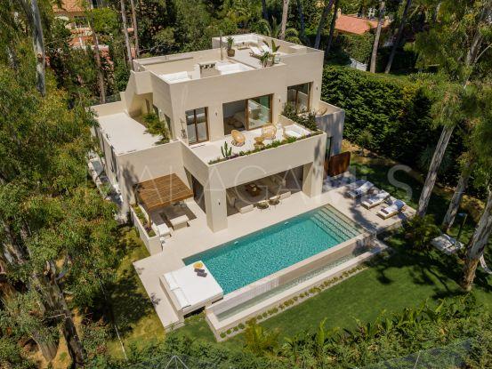 For sale villa with 5 bedrooms in Los Monteros Playa, Marbella East | LibeHomes