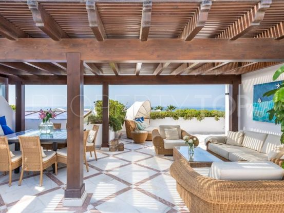 Penthouse with 3 bedrooms for sale in Doncella Beach, Estepona | DeLuxEstates