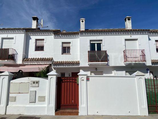 Buy town house in San Enrique de Guadiaro   DeLuxEstates