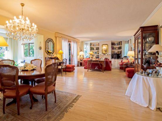 6 bedrooms villa for sale in Marbella Golden Mile | DeLuxEstates