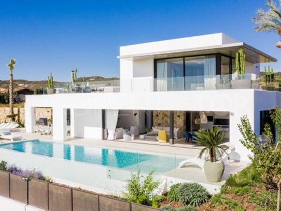 Buy villa with 4 bedrooms in Valle Romano | Key Real Estate