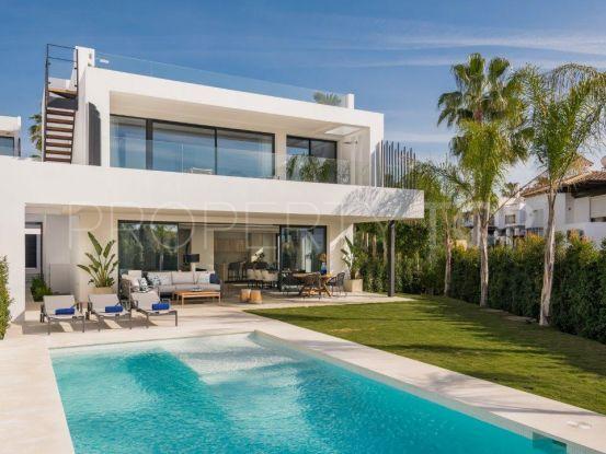 Villa in Altos de Puente Romano with 5 bedrooms | NCH Dallimore Marbella