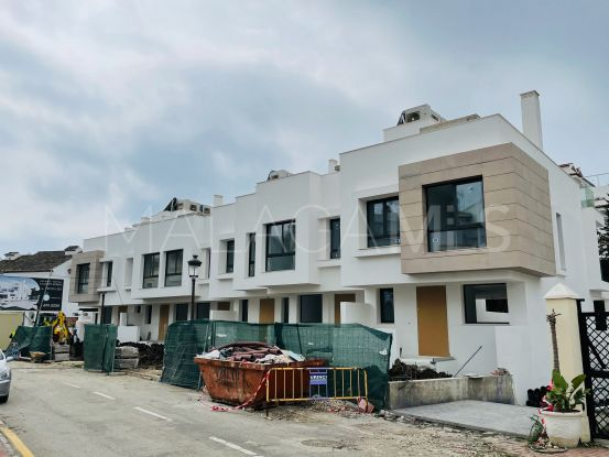 For sale town house in Guadalobon, Estepona   InvestHome