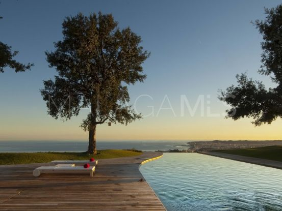 For sale Fuengirola villa with 4 bedrooms | InvestHome