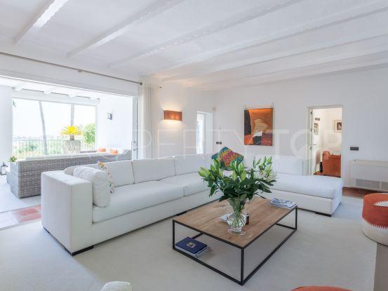 For sale Puerto del Almendro villa with 5 bedrooms | InvestHome