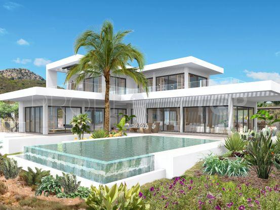 4 bedrooms Monte Mayor villa | InvestHome