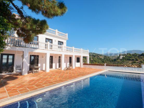 Buy villa in Benahavis | InvestHome