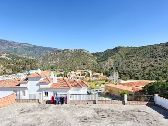3 bedrooms town house in Benahavis Centro | InvestHome