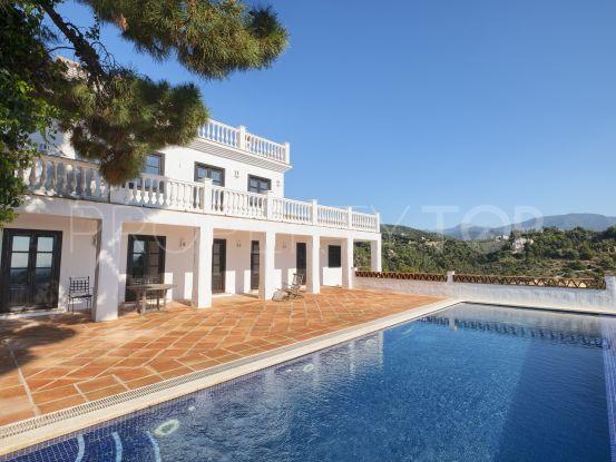 Comprar villa en El Madroñal, Benahavis | Winkworth