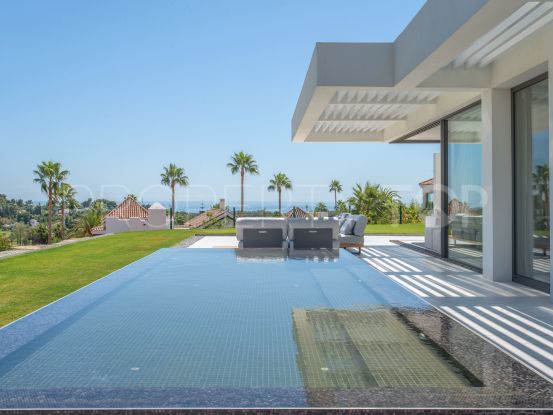 Duplex penthouse for sale in Mirador del Paraiso with 3 bedrooms | Berkshire Hathaway Homeservices Marbella