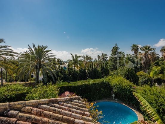 For sale villa with 5 bedrooms in El Pilar | Berkshire Hathaway Homeservices Marbella
