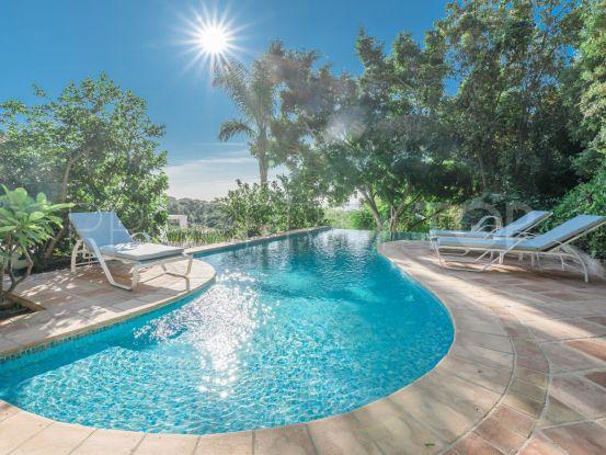 For sale Las Lomas de Nueva Andalucia villa with 5 bedrooms | Nordica Sales & Rentals