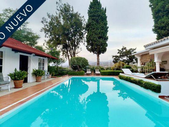 Villa en Marbella de 4 dormitorios | Von Poll Real Estate