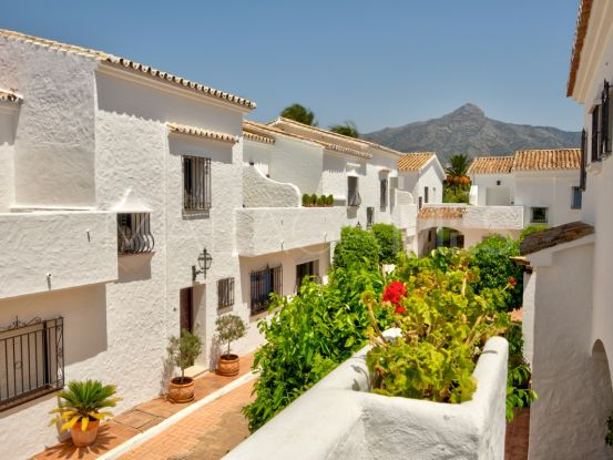Town house for sale in Nueva Andalucia | Affinity Property Group