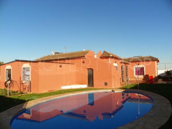 Villa a la venta en Alhaurin de la Torre con 3 dormitorios | Viva