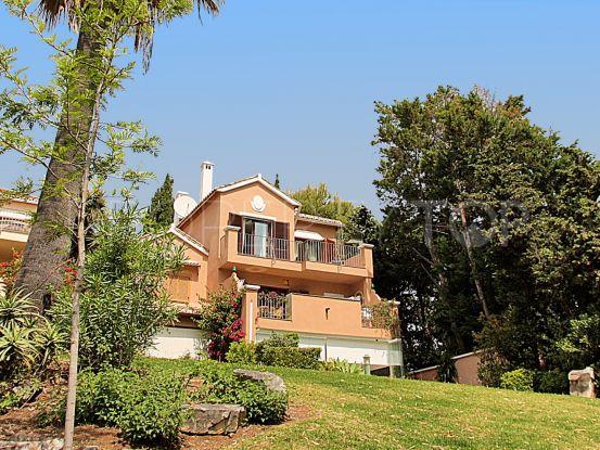 For sale 3 bedrooms town house in El Velerin, Estepona | Panorama