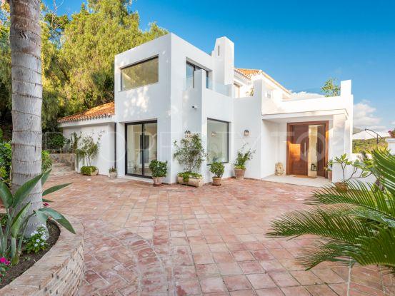 Buy villa in Las Lomas de Nueva Andalucia with 5 bedrooms   Panorama