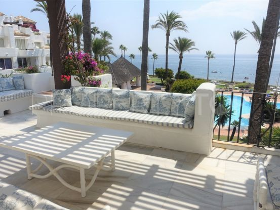 4 bedrooms Estepona penthouse for sale | Absolute Prestige