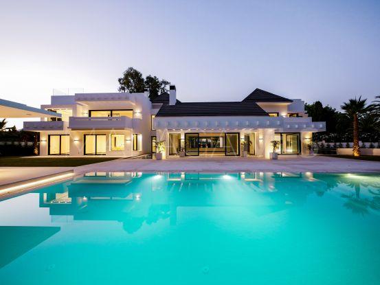 For sale villa in Guadalmina Baja with 5 bedrooms   Drumelia Real Estates