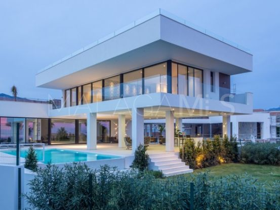 Villa de 3 dormitorios en venta en La Alqueria, Benahavis | Bromley Estates