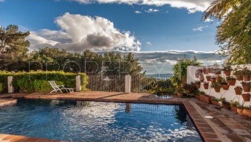 For sale villa in La Noria with 4 bedrooms | Bromley Estates