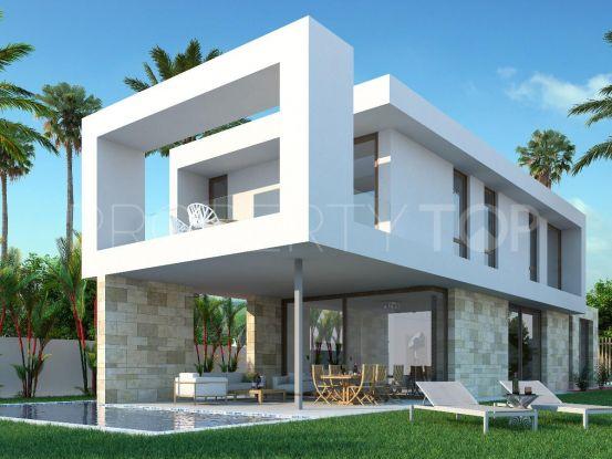 Buy villa with 4 bedrooms in San Roque | Bromley Estates