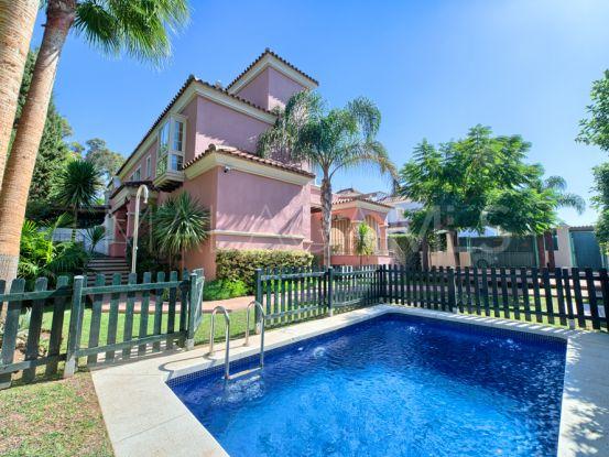 Pareado a la venta en Nueva Andalucia de 6 dormitorios   Bromley Estates