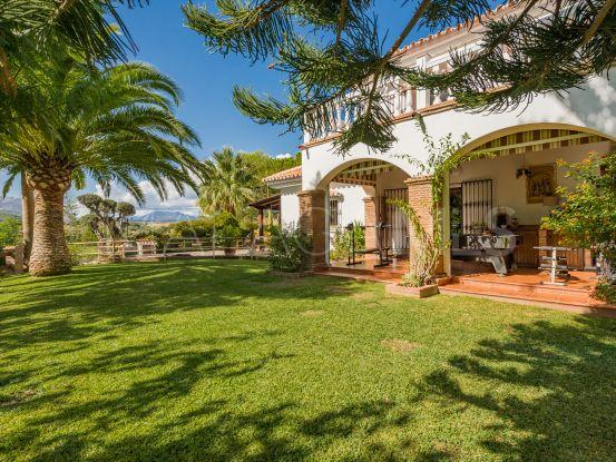 Coin 4 bedrooms villa   Bromley Estates