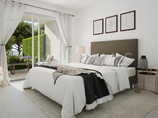 Se vende apartamento en Estepona de 2 dormitorios   Bromley Estates