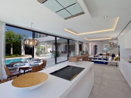 For sale 5 bedrooms villa in La Alqueria, Benahavis | Bemont Marbella