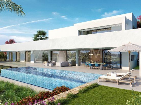 Villa a la venta en Los Flamingos Golf de 4 dormitorios | Bemont Marbella