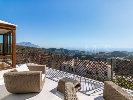 Buy villa with 6 bedrooms in Benahavis Hills Country Club | Solvilla