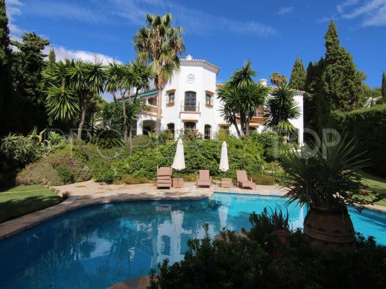 5 bedrooms El Madroñal villa for sale | House & Country Real Estate
