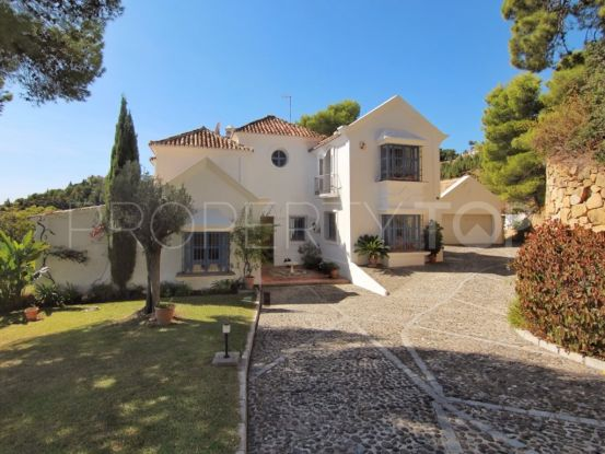 For sale El Madroñal villa with 7 bedrooms | House & Country Real Estate