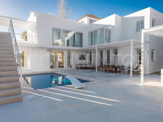 For sale 5 bedrooms villa in Lagomar, Nueva Andalucia | Magna Estates