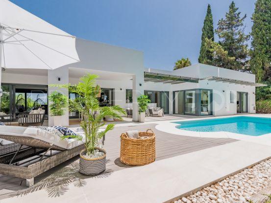 Villa in Las Brisas with 4 bedrooms | Magna Estates