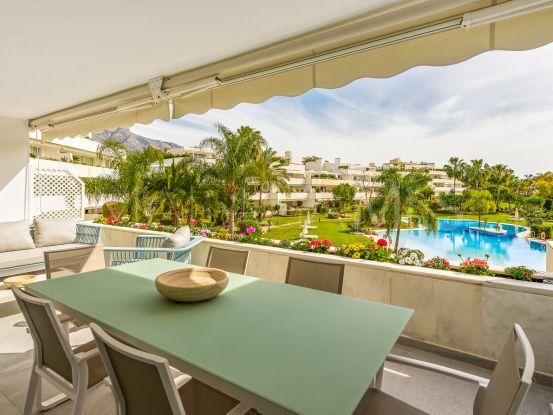 For sale apartment in Los Granados Golf, Nueva Andalucia | Magna Estates