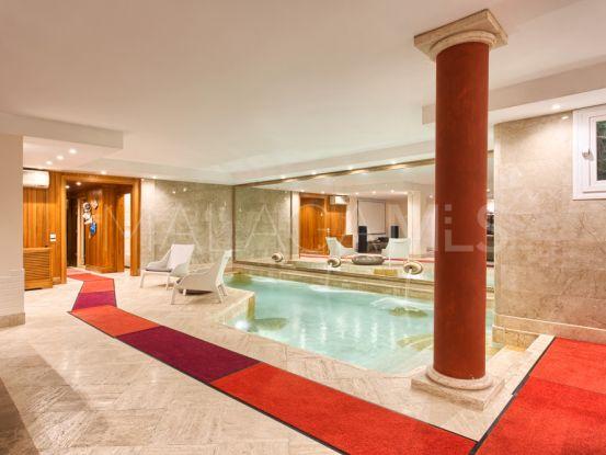 Buy Altos de Puente Romano villa with 5 bedrooms | Magna Estates
