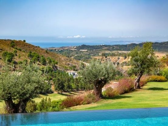 Villa for sale in Marbella Club Golf Resort, Benahavis | Luxury Villa Sales