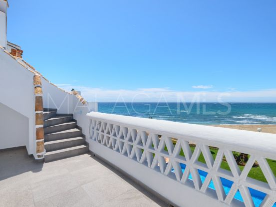 For sale penthouse with 2 bedrooms in Calahonda Playa, Mijas Costa | Arias-Camisón Properties