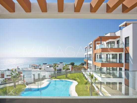 For sale ground floor apartment with 4 bedrooms in Carvajal, Fuengirola   NJ Marbella Real Estate