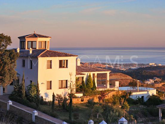 For sale villa in Marbella Club Golf Resort with 6 bedrooms | SMF Real Estate
