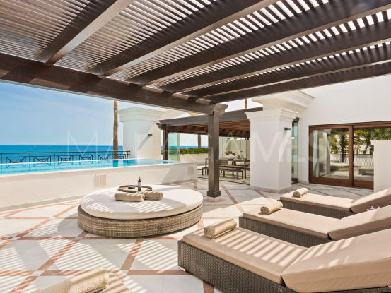 Penthouse with 3 bedrooms for sale in Doncella Beach, Estepona | Callum Swan Realty