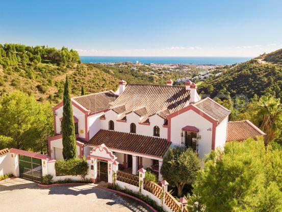 5 bedrooms El Madroñal villa for sale | Callum Swan Realty