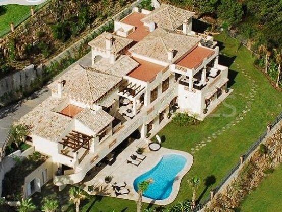 For sale villa with 6 bedrooms in El Madroñal, Benahavis | Excellent Spain